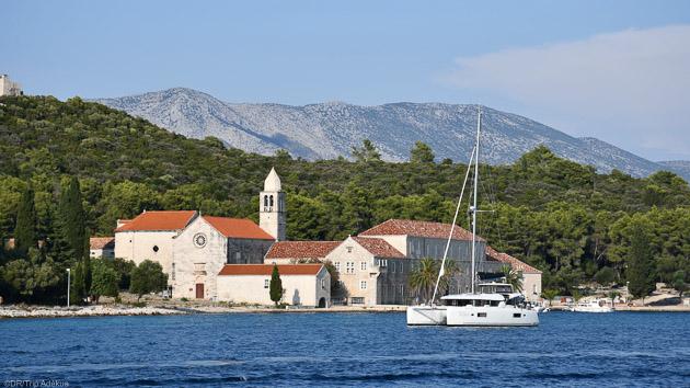 Des vacances de rêve sur un catamaran tout confort en mer Adriatique