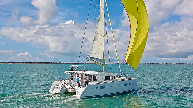 Des vacances de rêves dans les Cyclades à bord d'un catamaran de luxe