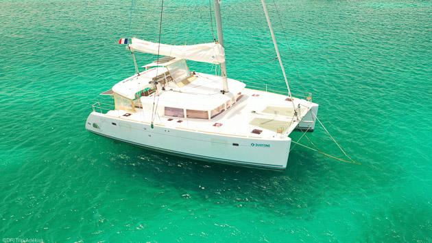 Votre catamaran tout confort pour savourez la douceur des Caraïbes
