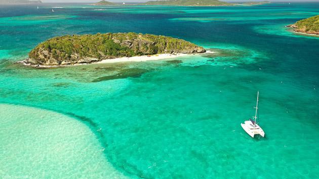 Des mouillages de rêves sur les plus belles plages des Grenadines