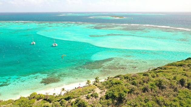 Mouillez sur les plus belles plages des Grenadines avec votre catamaran