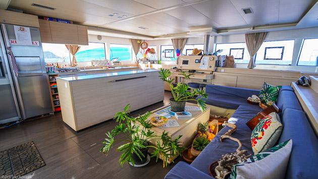 Un catamaran grand confort entièrement équipé pour votre croisière en Polynésie