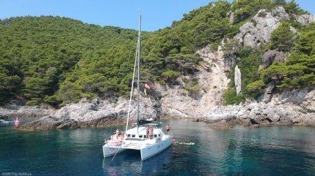 Découvrez la Croatie et ses plus beaux mouillages pendant votre croisière en Catamaran
